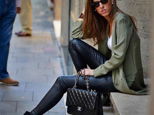 Quelles chaussures à porter avec des pantalons mousseux?